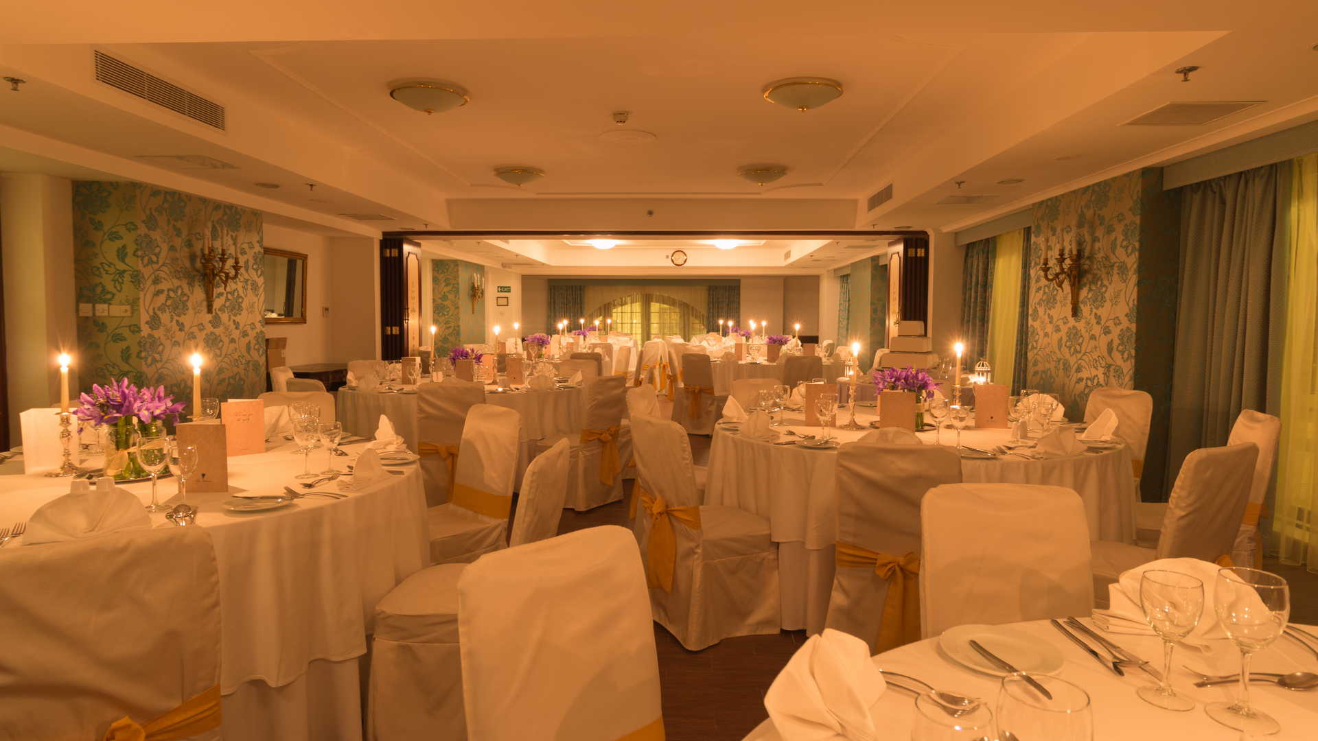 AX The Victoria Hotel - William Shakespeare Wedding Event